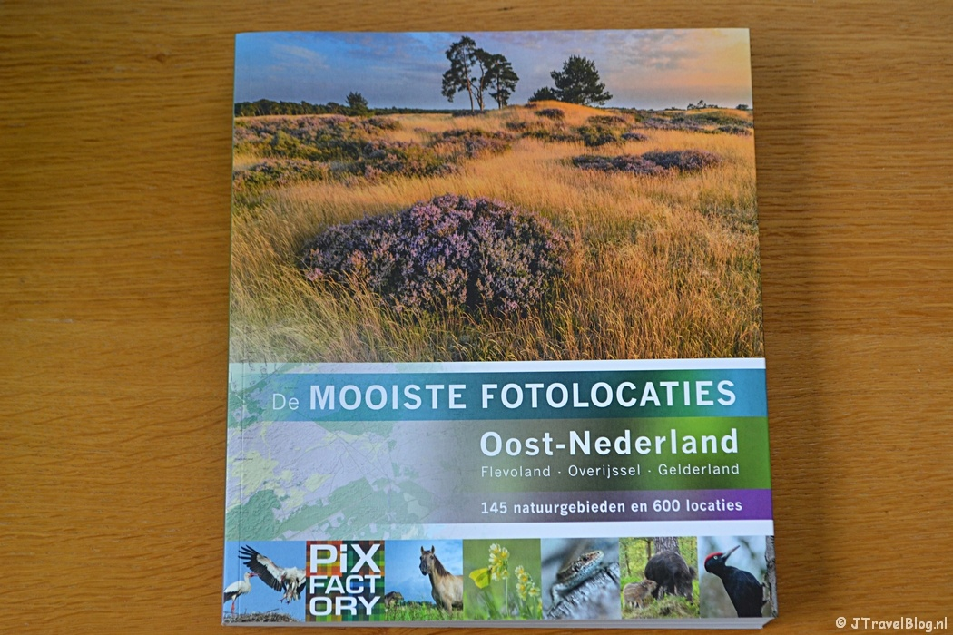 Het boek 'De mooiste fotolocaties van Oost-Nederland'