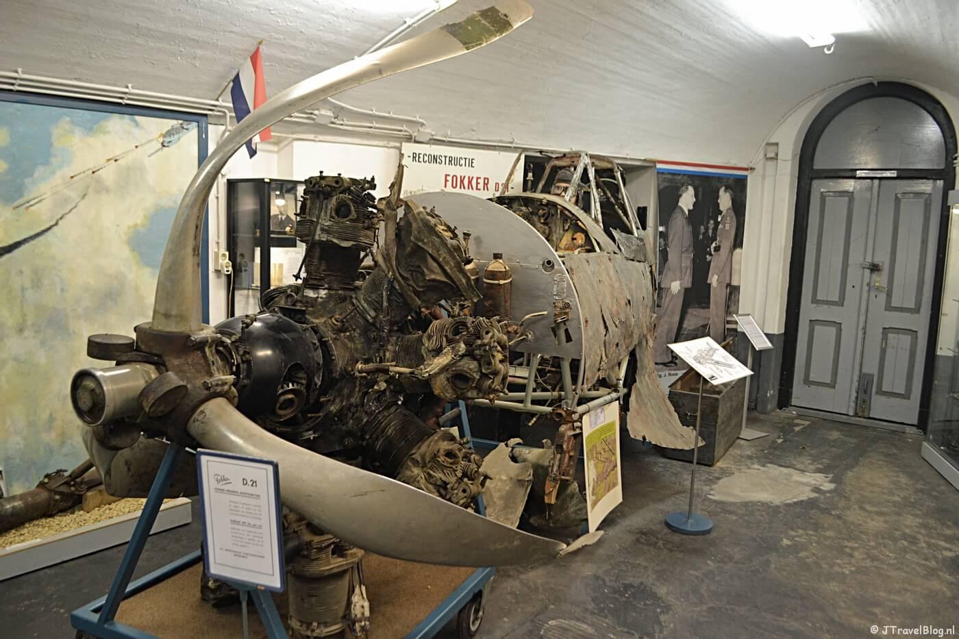 Een Fokker D-XXI in het CRASH Luchtoorlog- & Verzetsmuseum '40-'45 in Aalsmeerderbrug