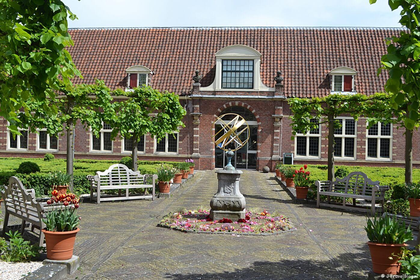 Het binnenplein van het Frans Hals Museum in Haarlem
