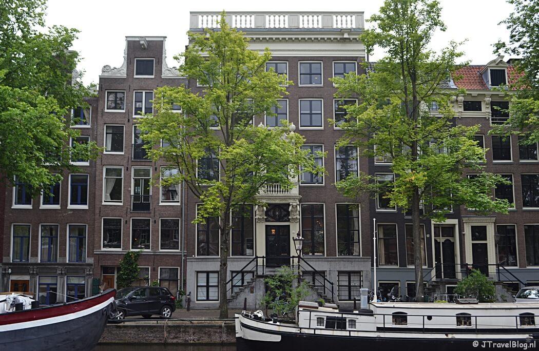 Huizen aan de Nieuwe Keizersgracht in Amsterdam tijdens etappe 0 van het Westerborkpad