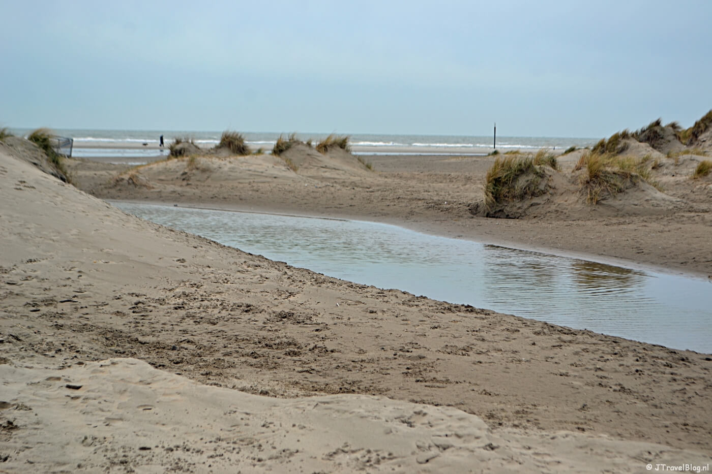 Wandelen in de duinen van IJmuiden: Strandopgang