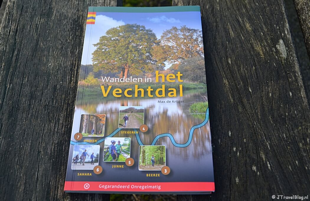 De wandelgids 'Wandelen in het Vechtdal' van Uitgeverij Gegarandeerd Onregelmatig